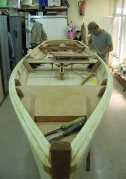 how to build a small fishing boat